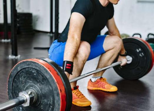 Su desequilibrio hormonal también afecta la construcción muscular.